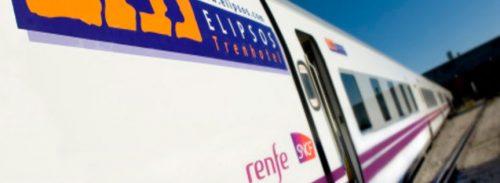 tren renfe con marcas de transporte elipsos logo en la puerta