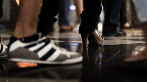 imagen de zapatillas y zapatos